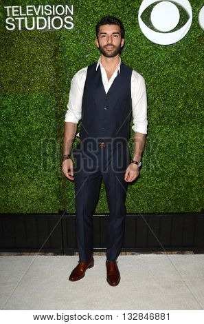 LOS ANGELES - JUN 2:  Justin Baldoni at the 4th Annual CBS Television Studios Summer Soiree at the Palihouse on June 2, 2016 in West Hollywood, CA