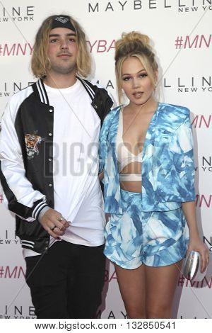 LOS ANGELES - JUN 3:  Kelli Berglund, Tyler Wilson at the Maybelline New York Beauty Bash at the The Line Hotel on June 3, 2016 in Los Angeles, CA