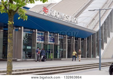 Reading, BERKSHIRE/UK- JUNE 4TH 2016. Reading station has been recently remodelled and rebuilt, This is the North entrance on the ground.