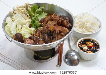 ba kut teh. Malaysian stew of pork and herbal soup,