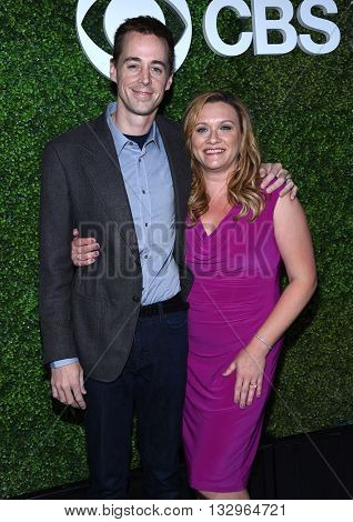 LOS ANGELES - JUN 02:  Sean Murray & Carrie James arrives to the 2016 CBS Summer Soiree  on June 02, 2016 in Hollywood, CA.