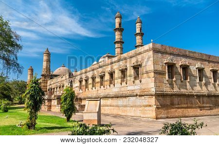 Jami Masjid, A Major Tourist Attraction At Champaner-pavagadh Archaeological Park - Gujarat State Of