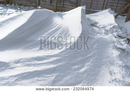 Snow In The Garden - Natural Scenery