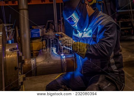 Welder At Orbital Welding Machine, Pipe Turning