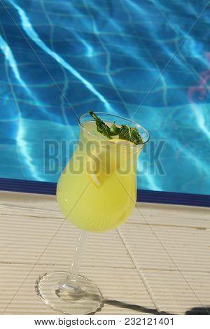 Cold Lemonade With Lemon And Mint Pool