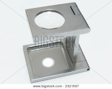 Enlarging Lens