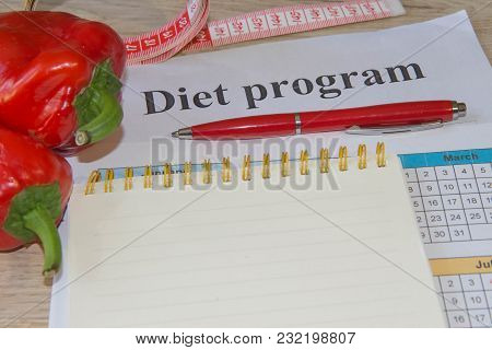 Concept Diet. Lose Weight By Eating Healthy Vegetables. Vegetarian Dieting. Low-fat Diet