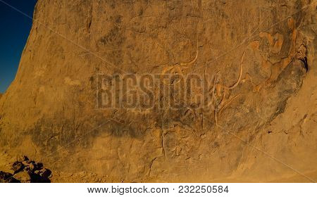 Cave Paintings And Petroglyphs Aka Crying Cow At Tegharghart In Tassili Najjer National Park, Algeri