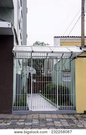 Entrance Apartament Security Gate Sidewalk Mailbox Brazil