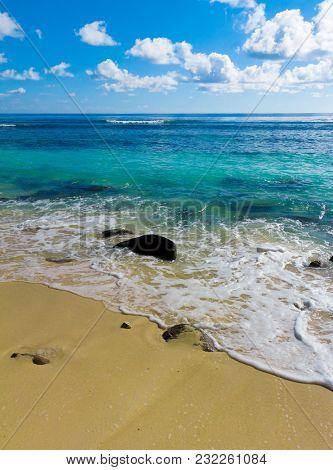 Tide Surf Splashing