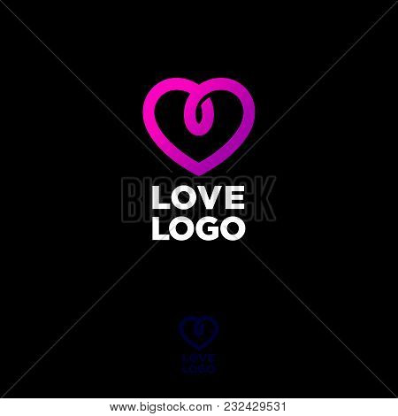 Communication Or Chat Logo. Conference Emblem. Jewelry Icon. The Letters And Decorative Heart On A D