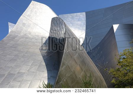 Los Angeles, Usa - July 10, 2017: Walt Disney Concert Hall In Los Angeles. It Was Designed By Frank