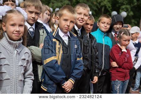 Yoshkar-ola, Russia - September 1, 2016 Schoolchildren On The City Line, Dedicated To The Beginning