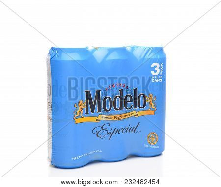 Irvine, California - March 21, 2018: 3 Pack Of Modelo Especial Cans. First Bottled In 1925, Modelo E