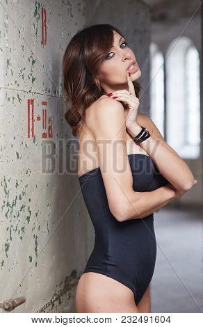 Luxury Brunette Woman In A Black Lingerie.