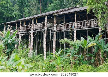 Kuching, Malaysia - August 26, 2009: Exterior Of The Typical Orang Ulu Tribal Long House At The Cult