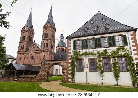 Ancient Monastery Seligenstadt :  Basilika Saint Marcellinus And Petrus ( Einhard-basilika ) , Bened