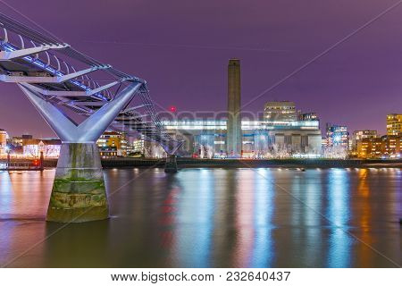 London, United Kingdom - January 17: This Is A Night View Of The Famous Millenium Bridge And The Tat