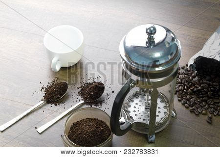 French Press Coffee Brewing Preparation