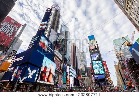 New York, Usa - Aug 17, 2016: Billboards Displaying Advertisements Place In Broadway Road In Times S