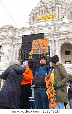 St. Paul, Mn/usa - March 24, 2018: Students Hold Up Signs To Crowd During March For Our Lives Rally