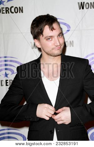 Richard Harmon attends day one of the 32nd Annual WonderCon Convention in Anaheim, CA on March 23, 2018.