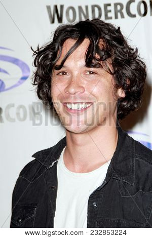 Bob Morley attends day one of the 32nd Annual WonderCon Convention in Anaheim, CA on March 23, 2018.