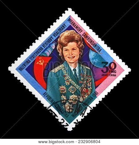 Madagascar - Circa 1981: Canceled Stamp Printed In Madagascar Shows Soviet Astronaut Valentina Teres