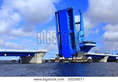 Stroke Bridge