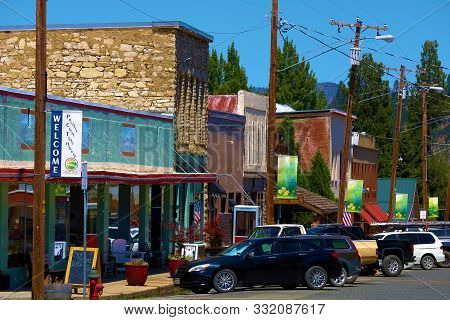 July 18, 2019 In The Town Of Mt Shasta, Ca:  Mystical Zen Metaphysical Crystal Stores Taken In Downt