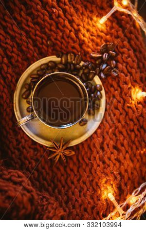 Cupronickel Coffee Couple With Coffee And Coffee Beans On A Knitted Scarf, Decorated With Christmas