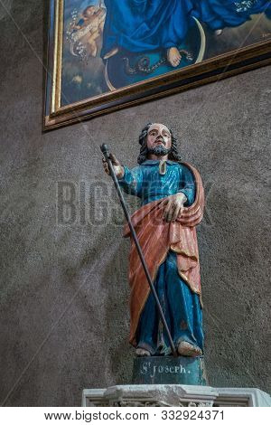 Rennes, Ile-et-vilaine / France - 26 August 2019: View Of The Statue Of Saint Joseph In The Church O