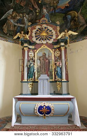 IVANIC GRAD, CROATIA - SEPTEMBER 25, 2011: The main altar in the chapel of St. James in Ivanic Grad, Croatia