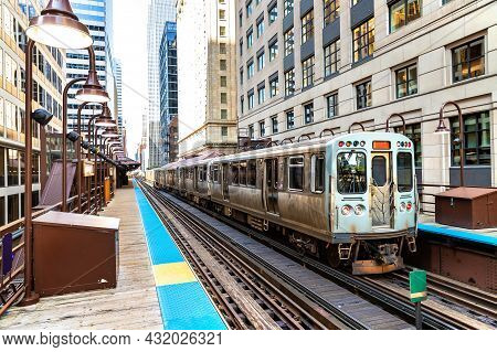 Train Subway In Chicago In A Sunny Day, Illinois, Usa
