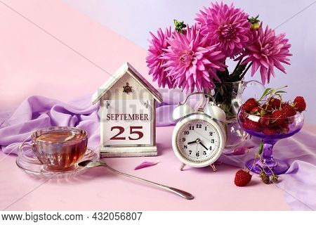 Calendar For September 25 : The Name Of The Month In English, Cubes With The Number 25, A Bouquet Of