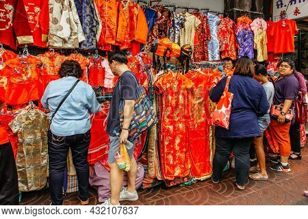 Bangkok, Thailand - January 17,2020.busy Morning In Chinatown,people Shopping Traditional Colorful C