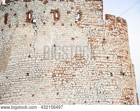 Main Palace Wall Built From White Limestone And Red Bricks. Divci Hrady Ruin, Czechia.