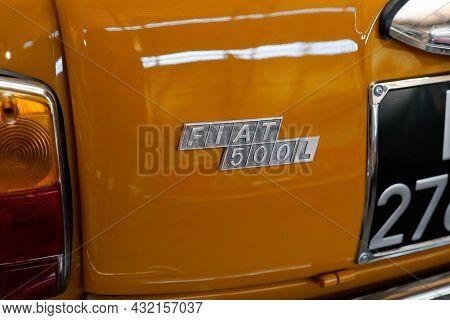 Bordeaux , Aquitaine  France - 09 05 2021 : Fiat 500 L Vintage Sign Brand And Text Logo On Car Rear