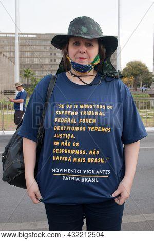 Brasilia, Df Brazil, September 6, 2021: Demonstrators Protesting Against Communism, Calling For Free