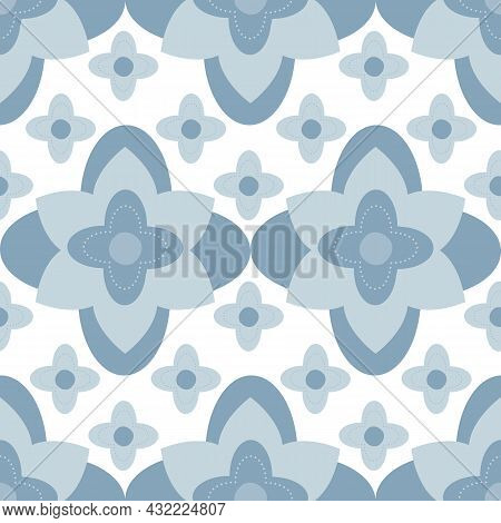 Quatrefoil Stylized Floral Seamless Vector Pattern Background. Azulejo Style Backdrop With Historica