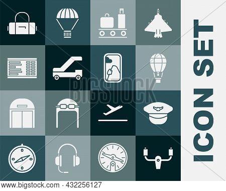 Set Aircraft Steering Helm, Pilot Hat, Hot Air Balloon, Airport Conveyor Belt With Suitcase, Passeng