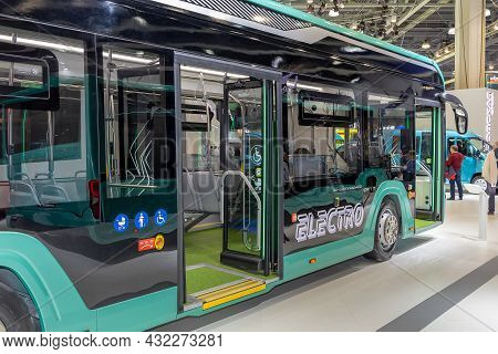 E-citymax 12 - City Electric Bus Of Large Class From Gaz Company. Gaz Company Booth At The Internati
