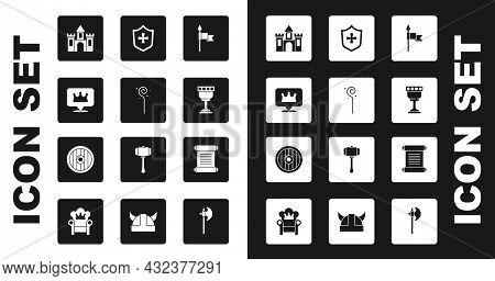 Set Medieval Spear, Magic Staff, Location King Crown, Castle, Fortress, Goblet, Shield, Decree, Parc
