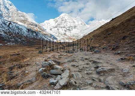 Track To Annapurna Base Camp And Mount Annapurna South, Annapurna Conservation Area, Himalaya, Nepal