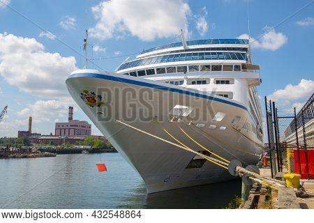 Boston, Usa - Sep. 5, 2018: Renaissance Cruises Ms Insignia Owned By Oceania Cruises Docked At Bosto