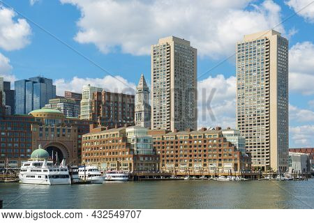Boston Harbor View Including Custom House, Rowes Wharf And Modern Financial District Skyline From Se