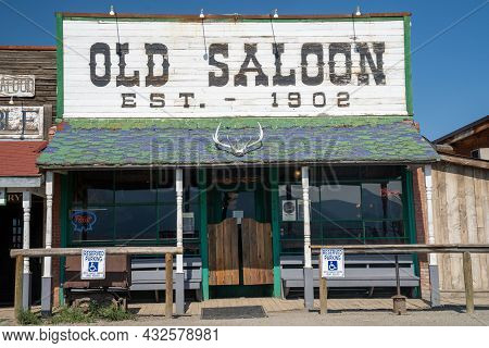 Emigrant, Montana - August 24, 2021: The Old Saloon, A Famous And Iconic Bar And Restaurant In The P