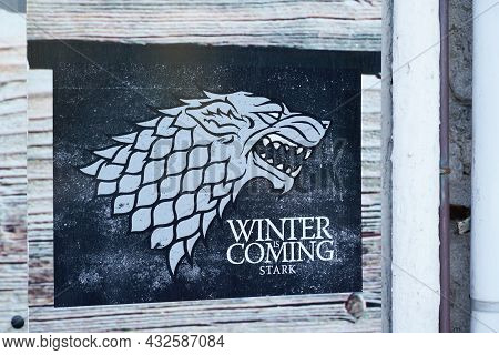 Bordeaux , Aquitaine  France - 09 05 2021 : Winter Is Coming Stark Series Premiere Of Hbo Medieval F
