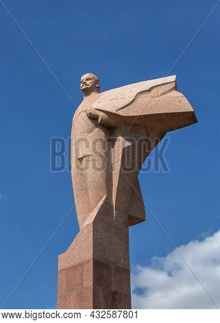 Monument To Lenin In Tiraspol, Transnistria