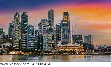 Singapore Downtown Seen From Marina Bay Waterfront Promenade